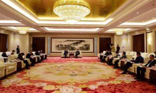 东湖基金董事长丁震、武汉金控租赁董事长杨浩辉一行拜访临沂市领导